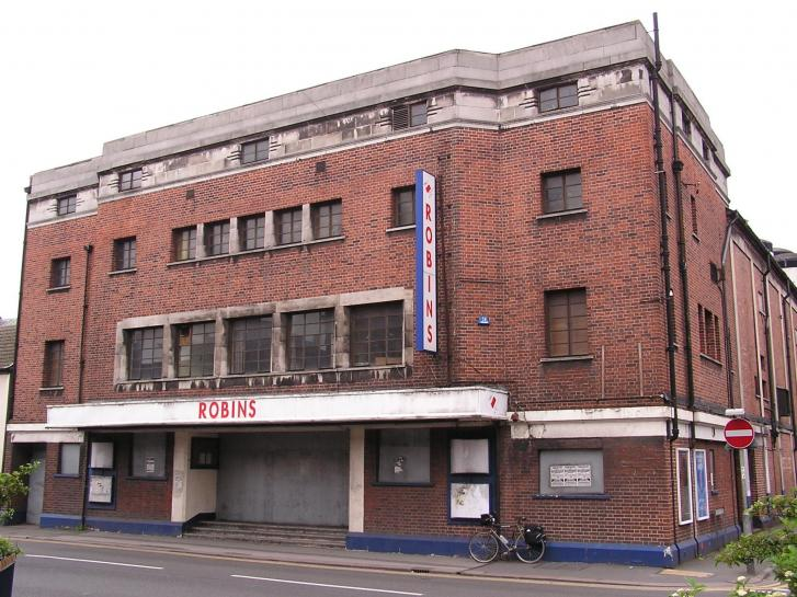 Ritz/Robins - Burton on Trent